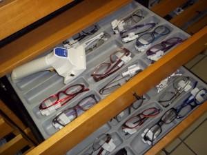 Lettore RFID UHF Handheld  Bluetooth nel commercio - inventari - retail store