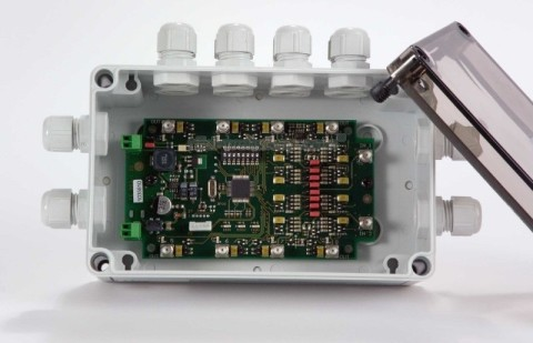 ISC.ANT.MUX.8 - Antenna Multiplexer RFID HF a 8 uscite in Box industriale