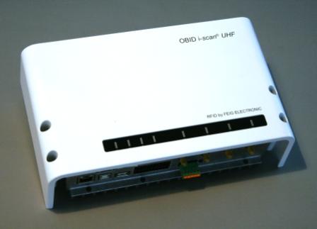 ID MAX.U1002 EU Stand Alone RFID UHF Long Range Reader per Controllo Accessi Veicolare.