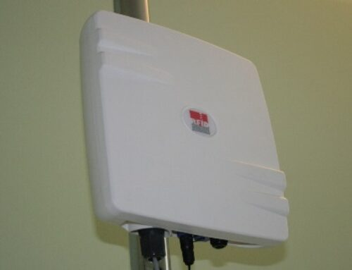 Oberon 300 – RFID UHF Antenna con Reader Integrato Smart