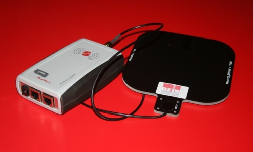 RED.MR80.FLY-E Mid-Range Controller RFID HF RedWave SmartFly Ethernet con antenna RFID HF 14x14 cm.