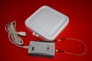 RED.MRU80-M2I - USB RedWave DeskTop Reader RFID UHF con antenna 17 x 17