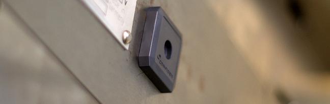 On Metal Tag RFID UHF Confidex Ironside Micro. Applicazioni industriali, tracciabilità, produzione.