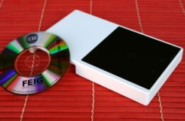CPR40.30 – Reader NFC & RFID DeskTop USB